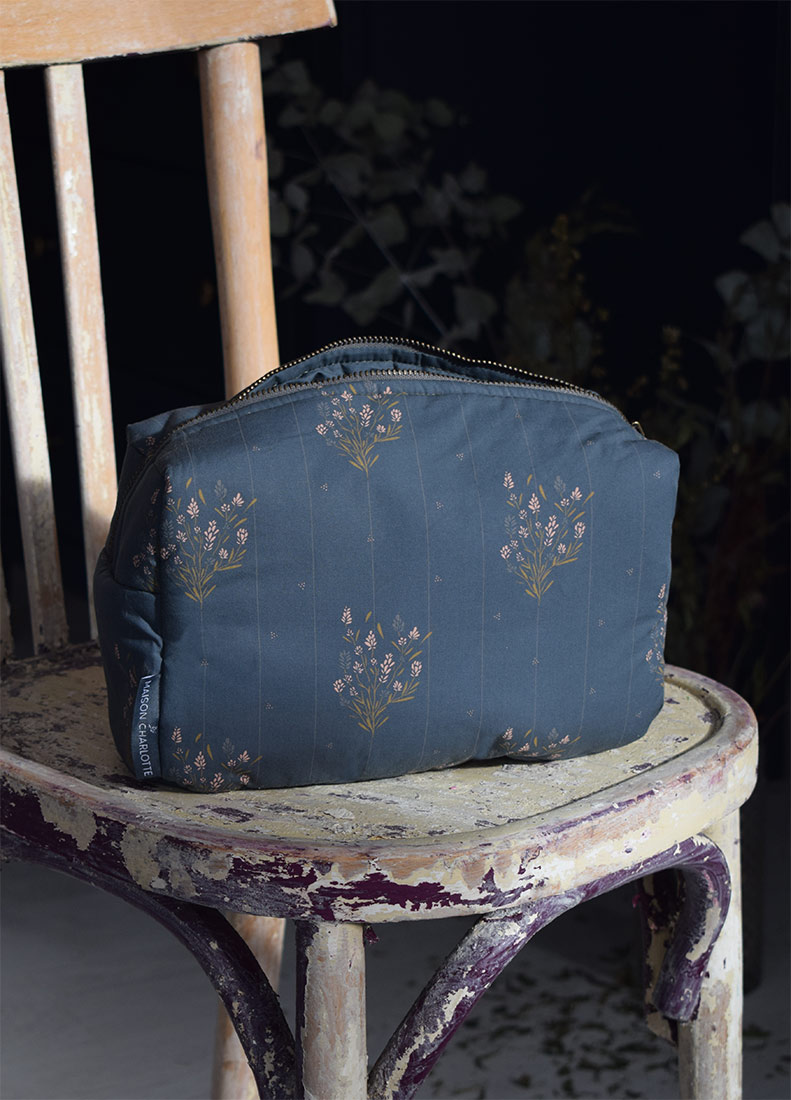 Trousse de toilette Madeleine Bleu Prestige Maison Charlotte
